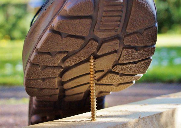 Jak wybrać buty robocze